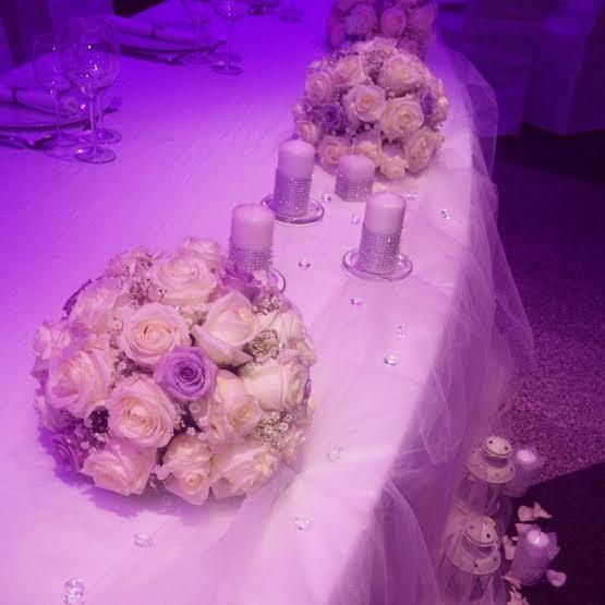 Stol mladenaca  Dostava cvijeća Split  Cvjećarnica Strelitzia